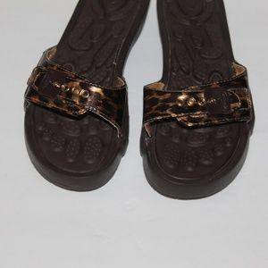 The Original Dr Scholls sandals cheetah print sz 7